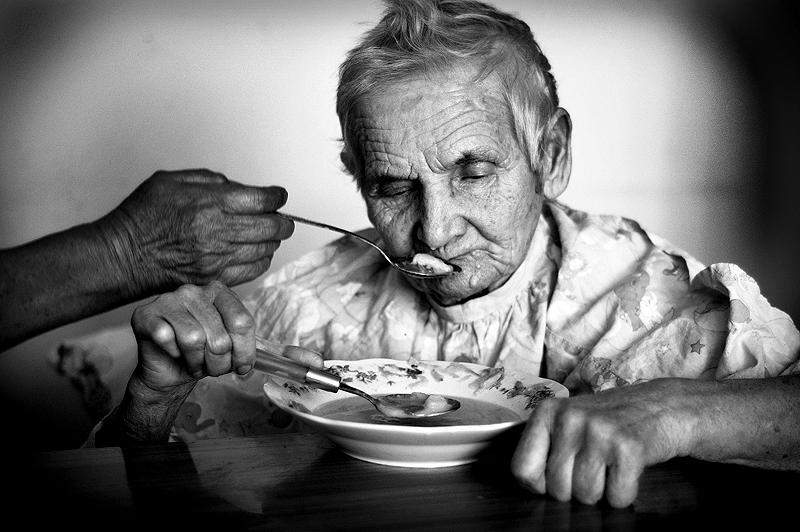 eating_death_by_konradc